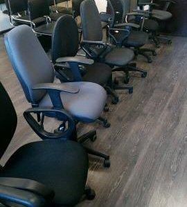 кресло компьютерное распродажа офиса