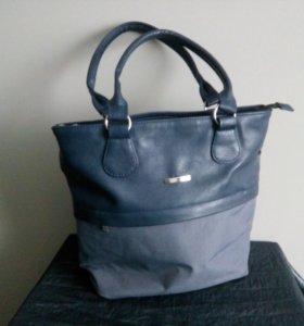 Новая. Женская сумка (38х32см)