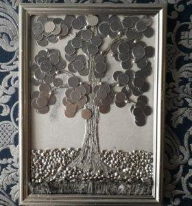 Картина из монет.