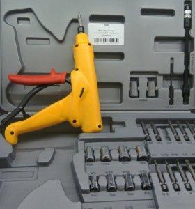 Механический шуруповерт