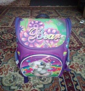 Продам портфель для 1-2 класса
