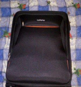 Вместительный чемодан для отдыха
