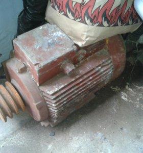 Продам асинхронный электро двигатель 5.5 кВт