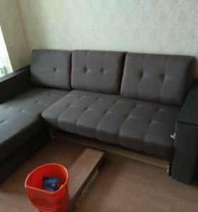 Угловой диван (пол года)