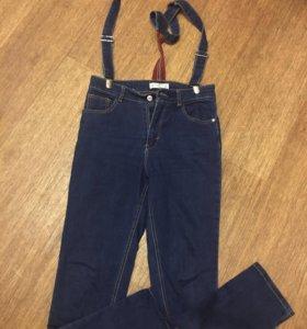 Стильные джинсы с завышенной талией и подтяжками