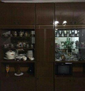 Стенка и шкаф
