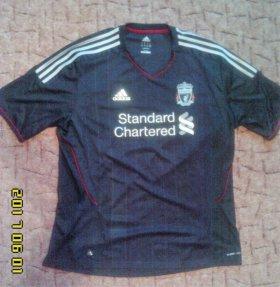 Футболка английского клуба Ливерпуль, размер XL.