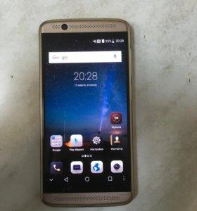 Телефон ZTE Axon 7 mini