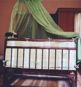 Детская кроватка-качалка с балдахином