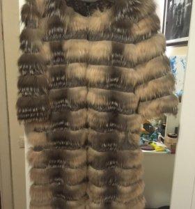 Кашемировое пальтишко с лисой.
