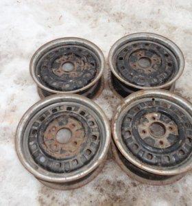 диски штампованные r13 на форд 4шт.
