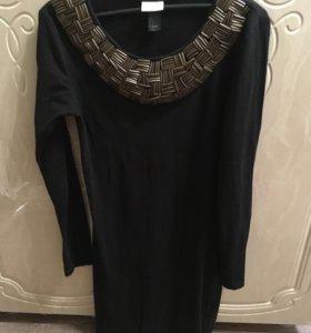 Чёрное платье с железным воротником h&m стильное!