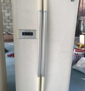 Lg холодильный шкаф(холодильник )
