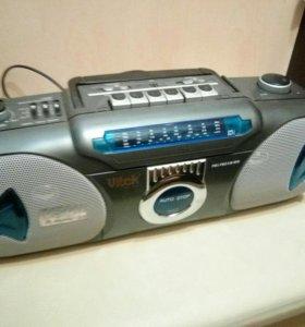 Однокассетный магнитофон с радио Vitek