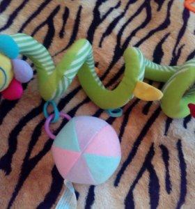 Игрушка на кроватку змейка
