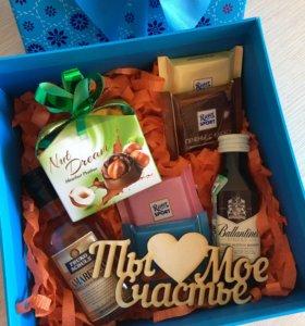 Подарок в коробочке