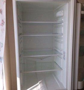 Холодильник Стинол ( ноу Фрост) .Двигатель новый