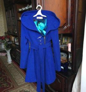 Красивое демисезонное пальто!