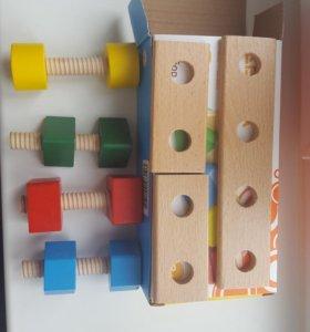 Развивающая игрушка из дерева