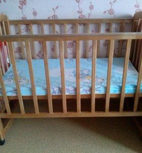 Кроватка детская с матрасом