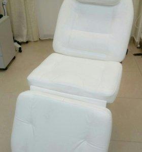 Косметологическое кресло, кушетка