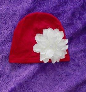 Трикотажная шапка с цветком
