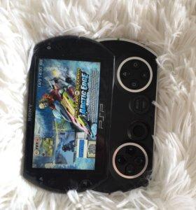 Psp GO 16GB Прошитая с играми в идеале