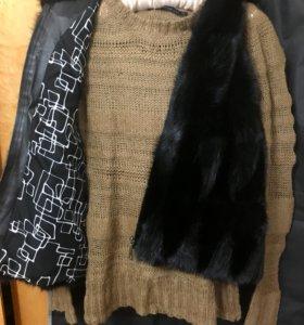 Норковая жилетка с капюшоном