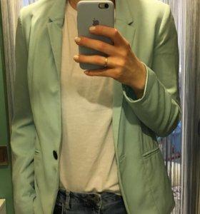 Голубой пиджак