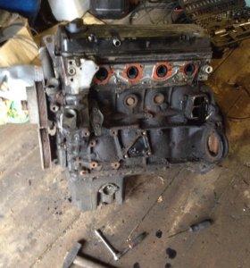 Двигатель от мерседеса Е 230 2.3л