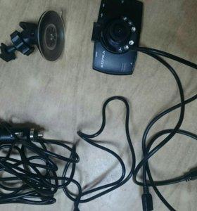 Видеорегистратор SUPRA SCR-33 HD, монитор 2,7