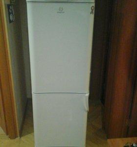 Холодильник двухкамерный, indesit.