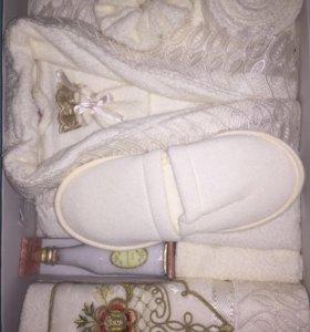 Набор: халат, тапочки, полотенце, соль и мыло