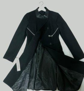 НОВОЕ шерстяное пальто 70% шерсть 44 р