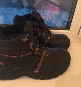 Ботинки новые 40 разм