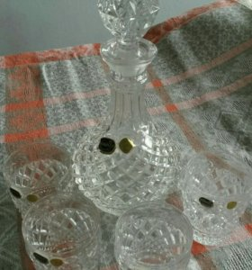 Графин со стаканами.