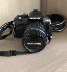 Зеркальная камера Olympus E-420 + сумка