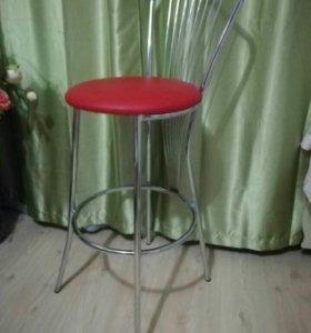 Два барных стула новые