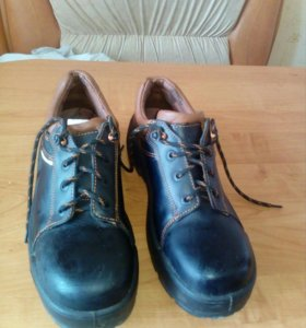 Ботинки мужские для работы с металическими носами