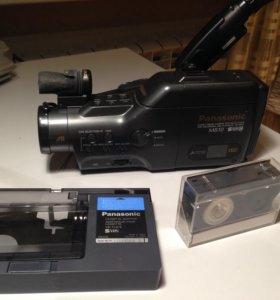 S-VHS-C HI-FI Stereo видеокамера Panasonic NV-M810