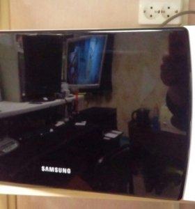 Микроволновка Samsung. ME711KR