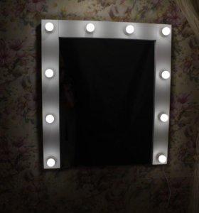 Макияжное зеркало визажиста с лампами