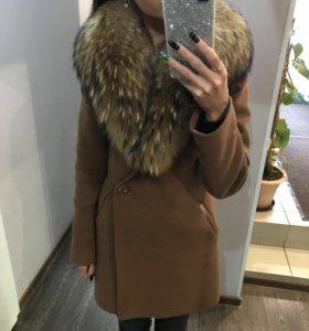Зимнее пальто с натуральным мехом