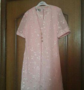 Платье и накидка нежно-розового цвета на выпускной