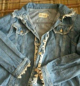 Женская джинсовка, легкая, свободная.