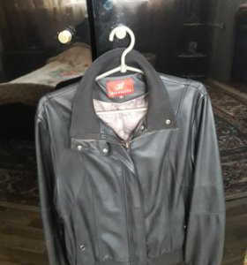 Куртка кожа новая размер 48 .50