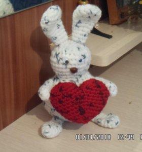 Зайчик с сердечком