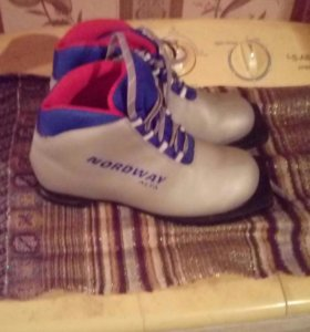 Ботинки для лыж.36раз.