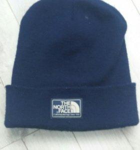 шапка фирмы THE NORTH FACE