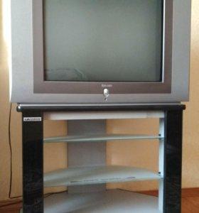 Телевизор Rolsen вместе с подставкой